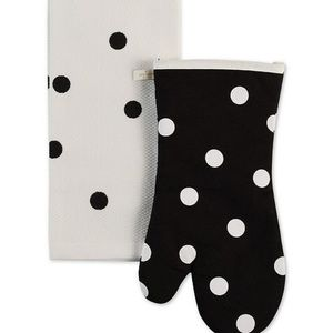 NWT Kate Spade oven mitt and kitchen towel